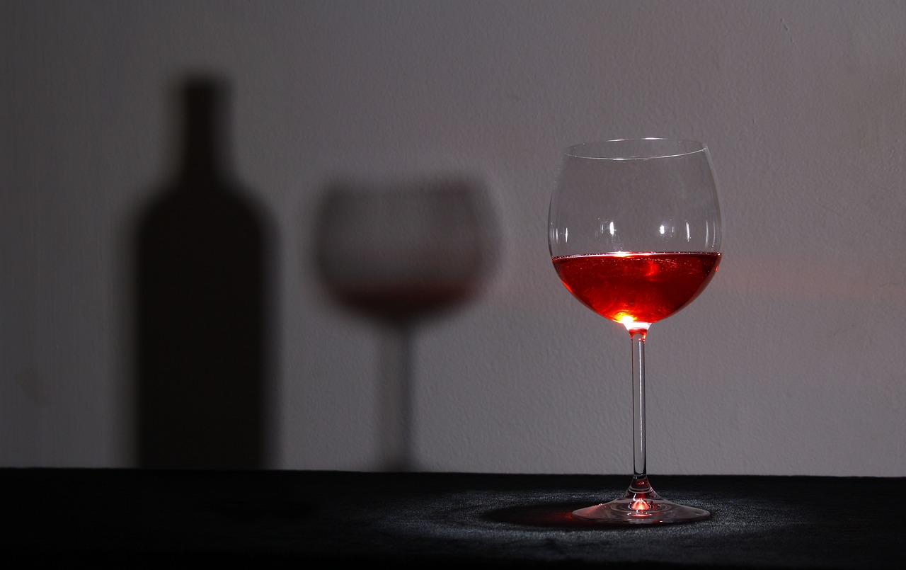 red-wine-shadow