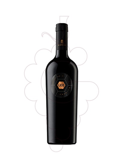 Photo Leo Premium Malbec red wine