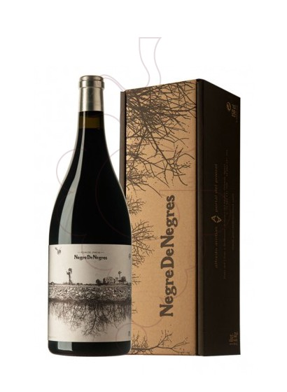 Photo Negre de Negres Magnum red wine