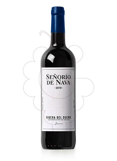 Photo Young Señorio de Nava red wine